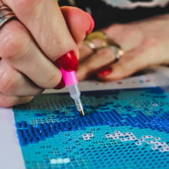 Kit Pintura com Diamantes | Tela Mandala Azul e Rosa - 30 x 30 cm - Diamante Redondo | Diamond Painting 5D DIY